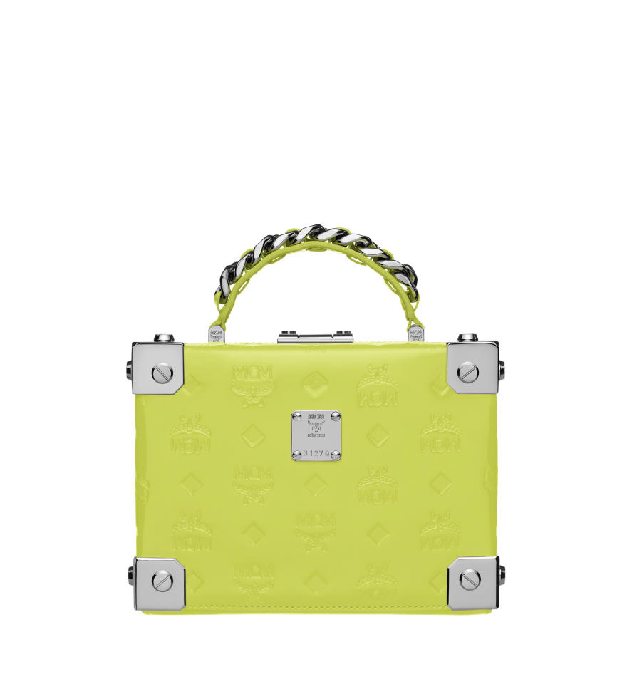 <p><span>T</span>he brand's iconic Berlin styles will be dressed in four new vivid colours in patent leather –<span>neon</span> yellow, <span>neon</span> orange, <span>neon</span> pink and white flake. </p>