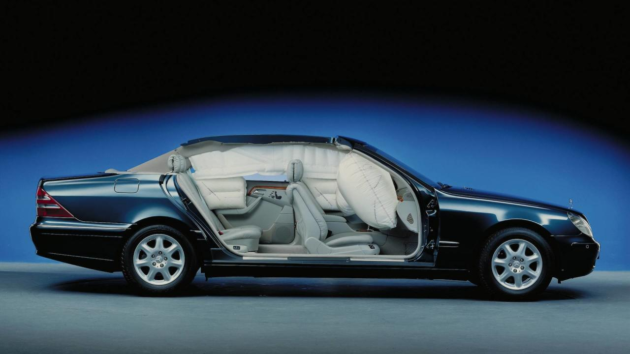 "<p>Technically, airbags are air pockets that inflate within a matter of milliseconds in the event of an accident to prevent occupants from hitting directly into the steering wheel or dashboard.</p> <p>The first car to use an airbag for the driver was the Oldsmobile Toronado in 1973. In fact, it was a very basic airbag system, which did not work properly. It was sold as a $250 option, so much so that they only made 1,000 units.</p> <p>The first ""modern"" airbag arrived in 1981 on the then new <a rel=""nofollow"" href=""https://www.motor1.com/mercedes-benz/s-class-sedan/"">Mercedes-Benz S-Class</a>. Since then, it has not stopped evolving. In 1994, the Volvo 850 introduced the side and curtain airbags, and two years later came the knee airbag. In 2009, Ford introduced the first airbag inflatable seat belts in the Fusion.</p> <p>The Volvo V40 launched in 2011 brought the first airbag for pedestrians. In the event of a collision, the vehicle raises its hood and deploys an air curtain to reduce the force of the impact.</p>"
