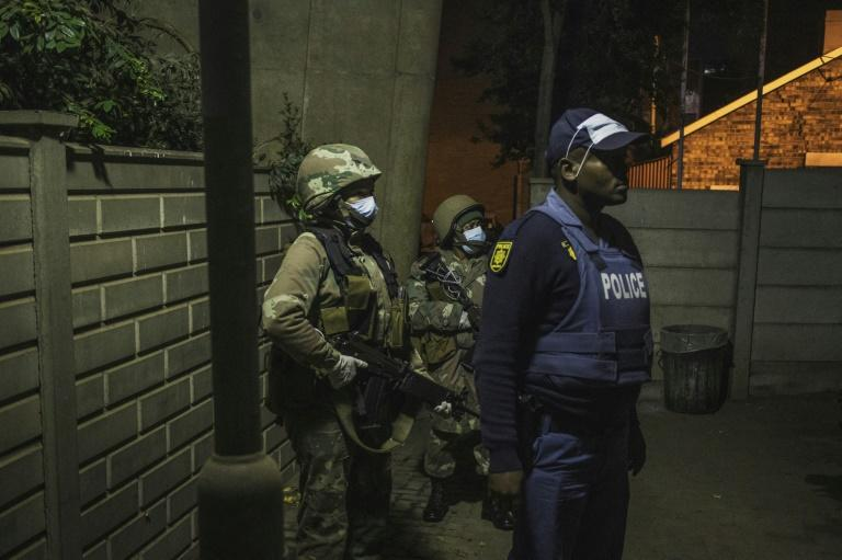 South Africa is in a 21-day lockdown enforced by the police and army (AFP Photo/MARCO LONGARI)