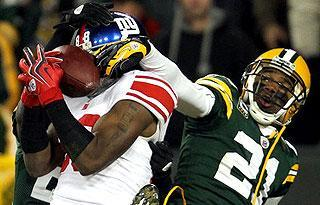 Hakeem Nicks pulls down a Hail Mary against the Packers