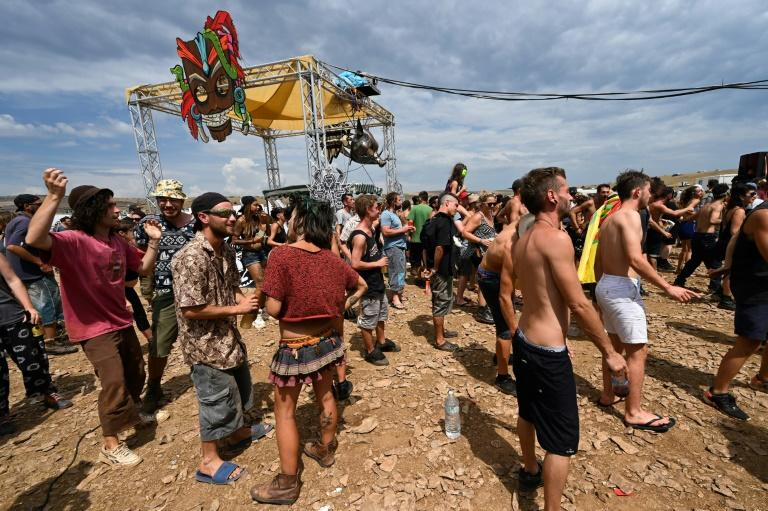 The party goes on for French ravers, despite pandemic and police