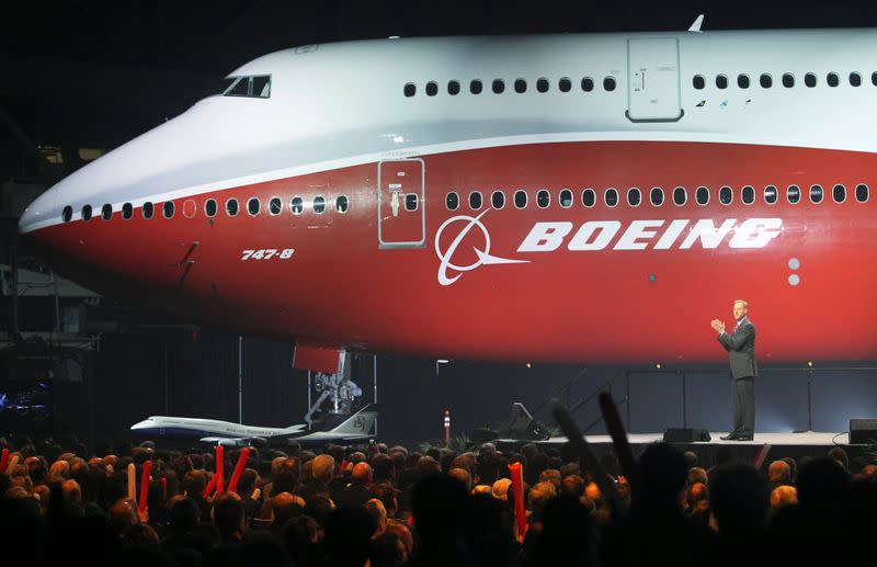 Boeing does not see immediate need to raise cash with new debt
