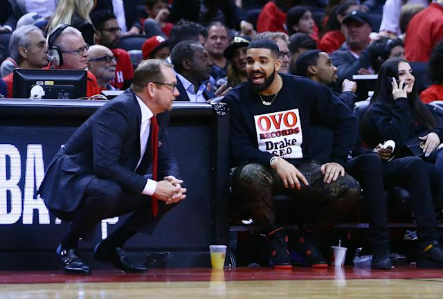 Nurse speaks with Drake, the Raptors' most famous fan. (Credit: Getty Images)