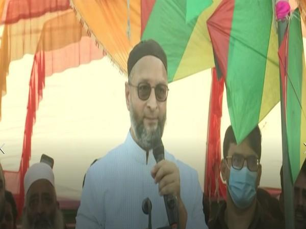 AIMIM president Asaduddin Owaisi speaking at a rally in UP's Sultanpur on Wednesday. (Photo/ANI)