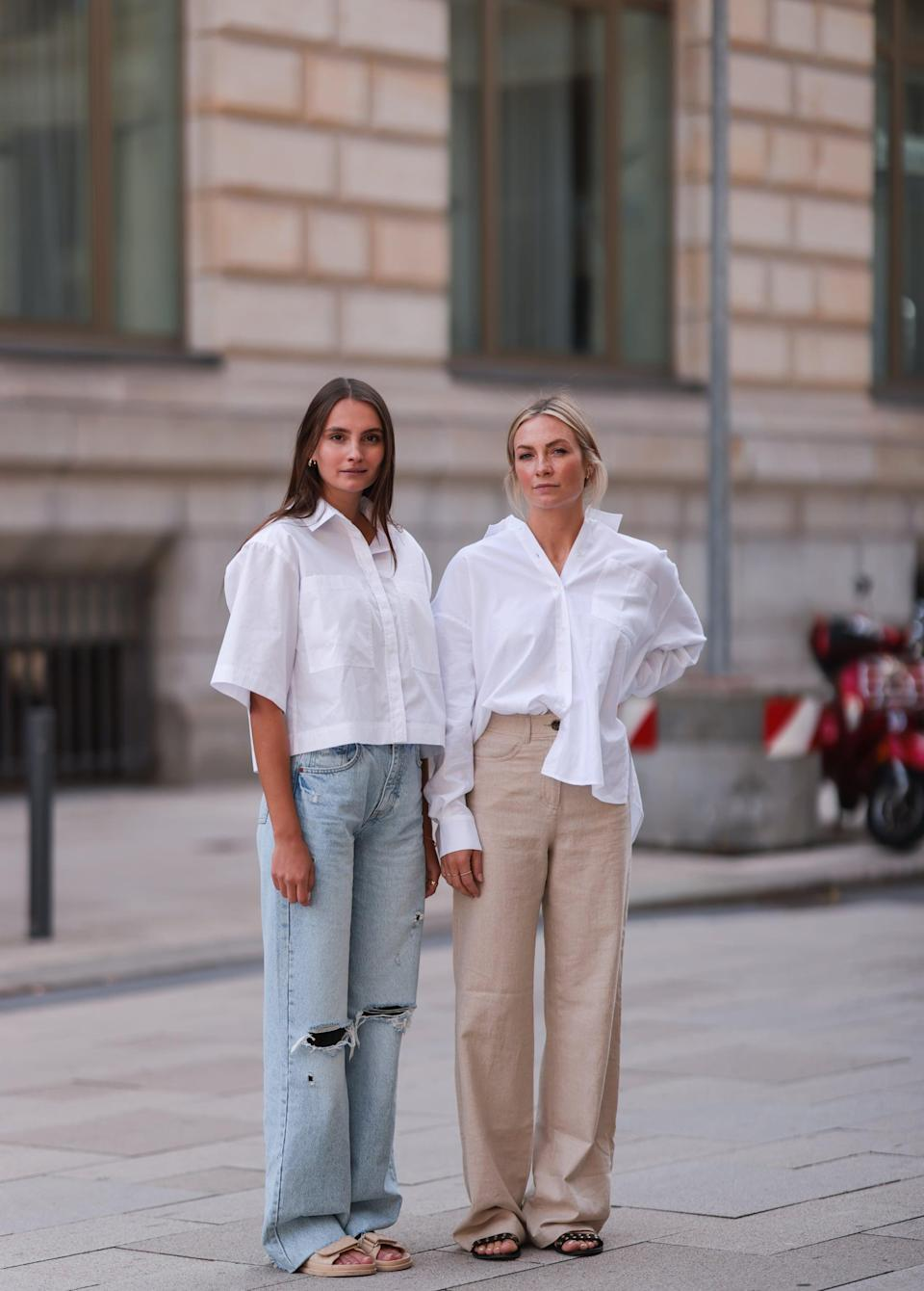<p>Keep things simple in button-down shirts and slides. </p>