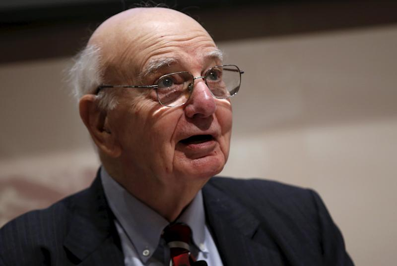 Former U.S. Federal Reserve Board Chairman Paul A. Volcker speaks at a news conference in New York, June 8, 2015. Many states balance their budgets using short-term techniques to make it appear that spending does not exceed revenue, according to a report released on Monday by the Volcker Alliance, which singles out New Jersey for using budget-balancing maneuvers. REUTERS/Mike Segar