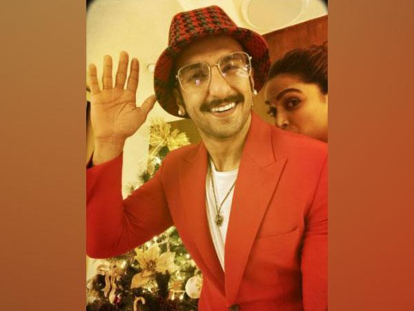 Ranveer Singh with Deepika Padukone (Image Source: Instagram)
