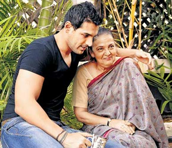 1. John Abraham John is quite a mama's boy and credits her with making him what he is today. He says that that it is she who's taught him values like diversity, broadmindedness and grit. He mentioned in one of his interviews that he acquired his sporting courage also from his mother. Moreover John is also involved in a lot of philanthropy & charity since his mother has a charity of her own which she is quite passionate about.