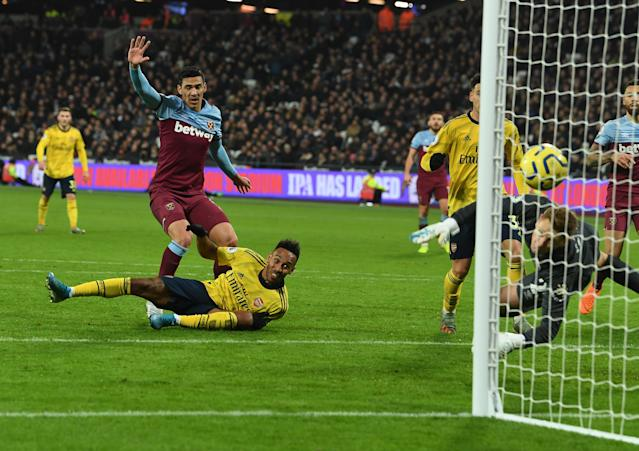 Arsenal overturned West Ham's lead to win 3-1 on Sunday. (Getty Images)
