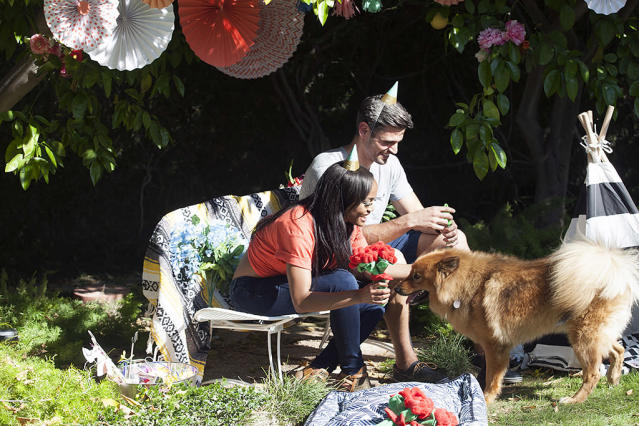 <p>Rachel Lindsay and Peter in ABC's <i>The Bachelorette</i><br>(Photo: Scott Baxter/ABC) </p>