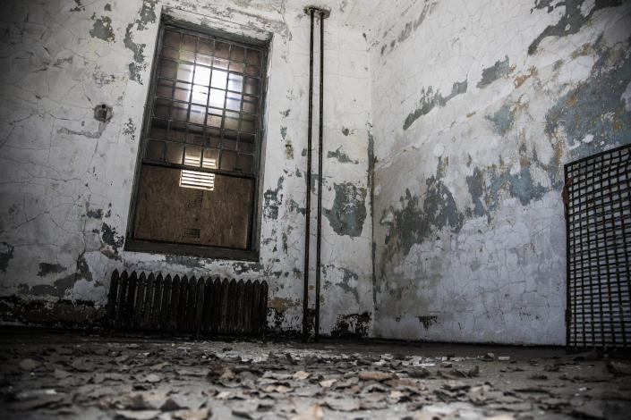 <p>Many rooms in the old wards are accesible to walk through, some are closed off because of corrosion from elements on Ellis Island. (Photo: Gordon Donovan/Yahoo News) </p>