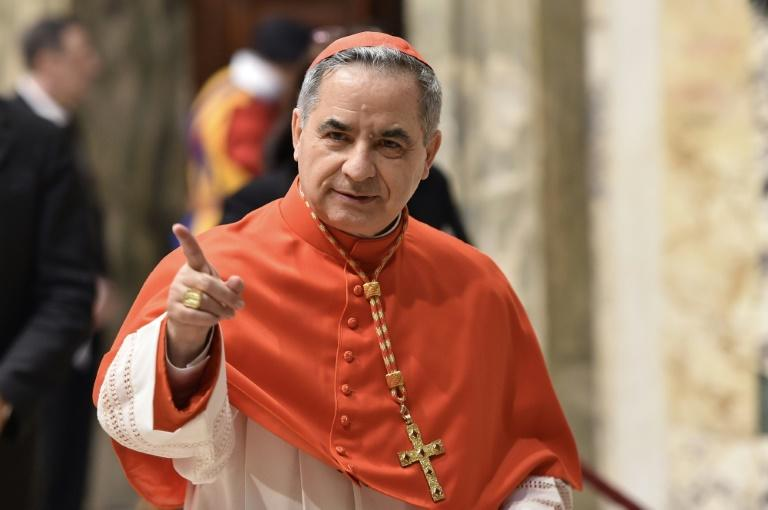 Vatican announces surprise resignation of top cardinal