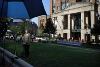 <p>A television crew is set up outside of federal court where the trial of former Trump campaign chairman Paul Manafort will continue, in Alexandria, Va., Wednesday, Aug. 8, 2018. (Photo: Jacquelyn Martin/AP) </p>