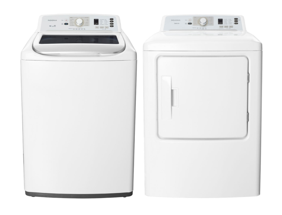 Insignia Top Load Washer and Front Load Electric Dryer (Photo via Best Buy Canada)