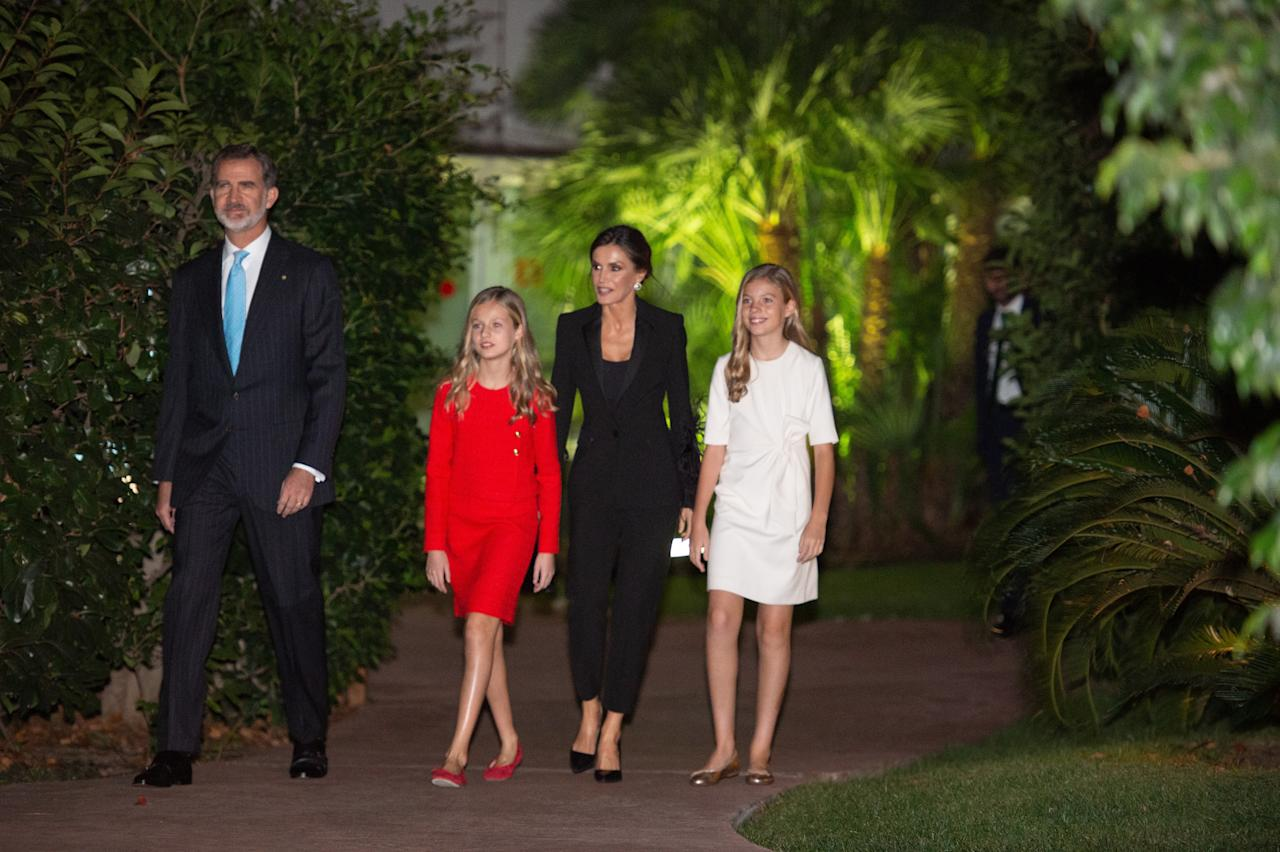 BARCELONA, SPAIN - NOVEMBER 04: Spanish King Felipe VI and his wife Queen Letizia arrive with their daughters Princess Leonor and her sister Sofia to attend the Princess of Girona Foundation Awards (FPdGI) ceremony which marks its 10th anniversary at Congress Palace in Barcelona, Spain on November 4, 2019. (Photo by Adria Puig/Anadolu Agency via Getty Images)