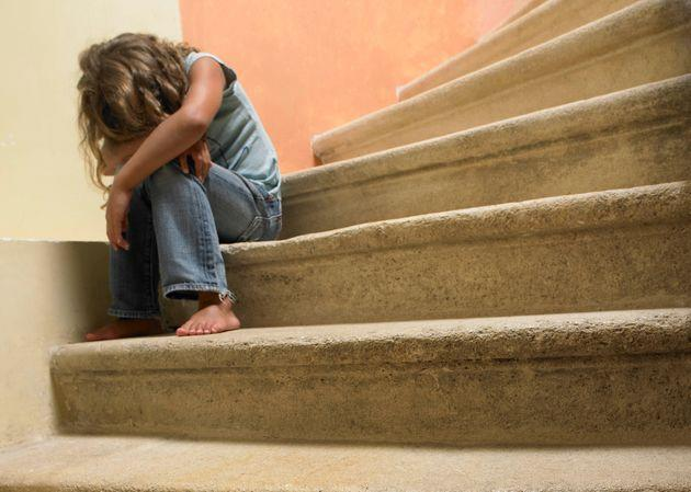 Doll on the stairs, sad girl (Photo: AGF)