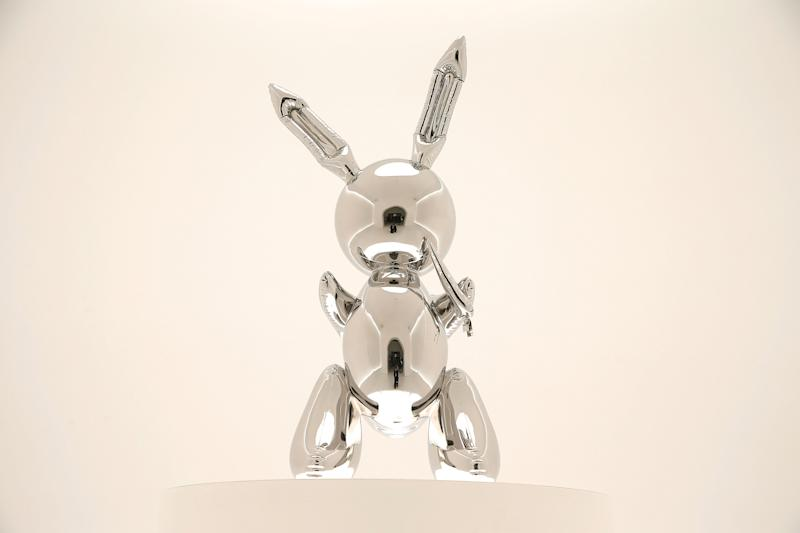 """A sculpture of a"""" Rabbit"""" by Jeff Koons. Source: Getty"""