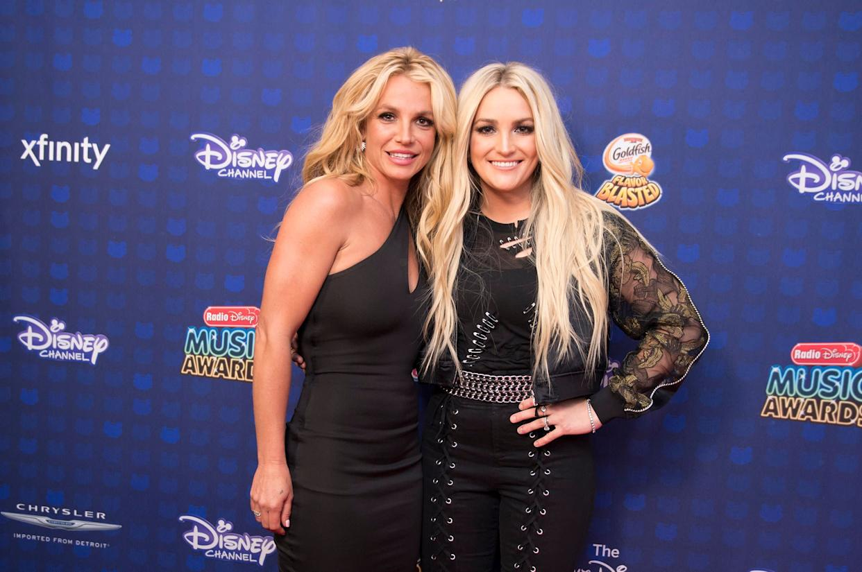 Britney and Jamie Lynn Spears at the 2017 Radio Disney Music Awards in April 2017.  (Photo: Image Group LA via Getty Images)