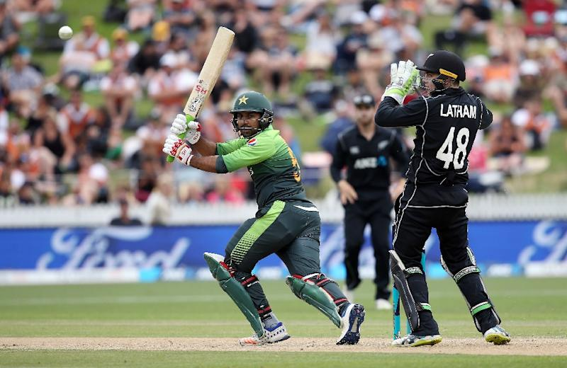 Sarfraz Ahmed was one of four batsmen who posted half centuries as Pakistan bounced back from a disastrous start to the fourth ODI against New Zealand (AFP Photo/MICHAEL BRADLEY)