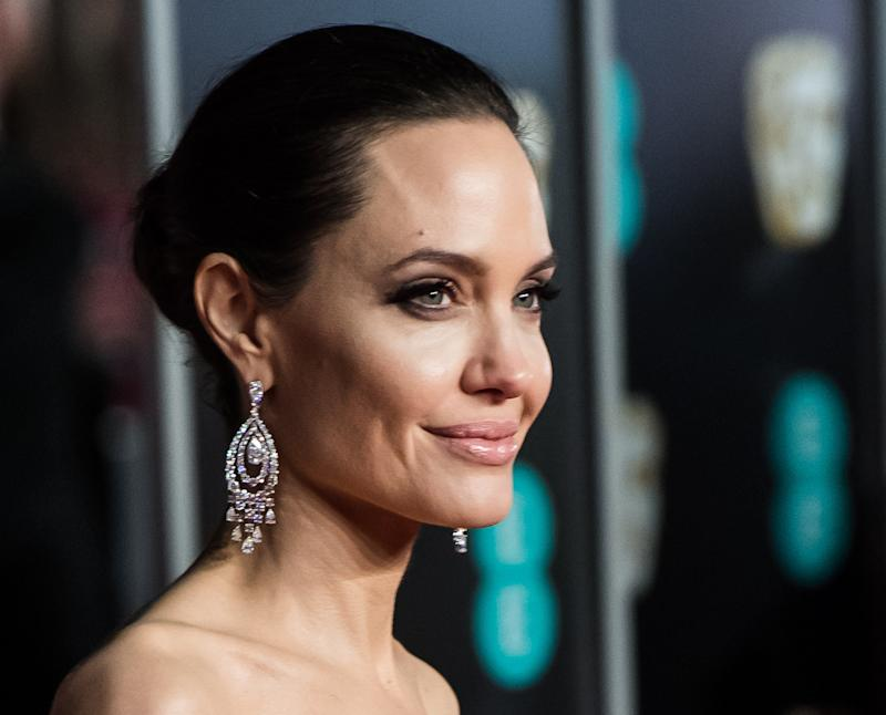 Angelina Jolie Looks Nearly Unrecognizable As A Blonde In