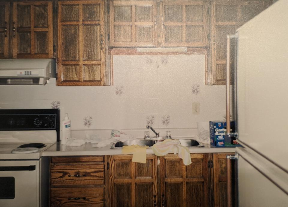 The writer did not have a dishwasher growing up, cementing her habit of hand washing dishes. (Photo: Samantha Lui)