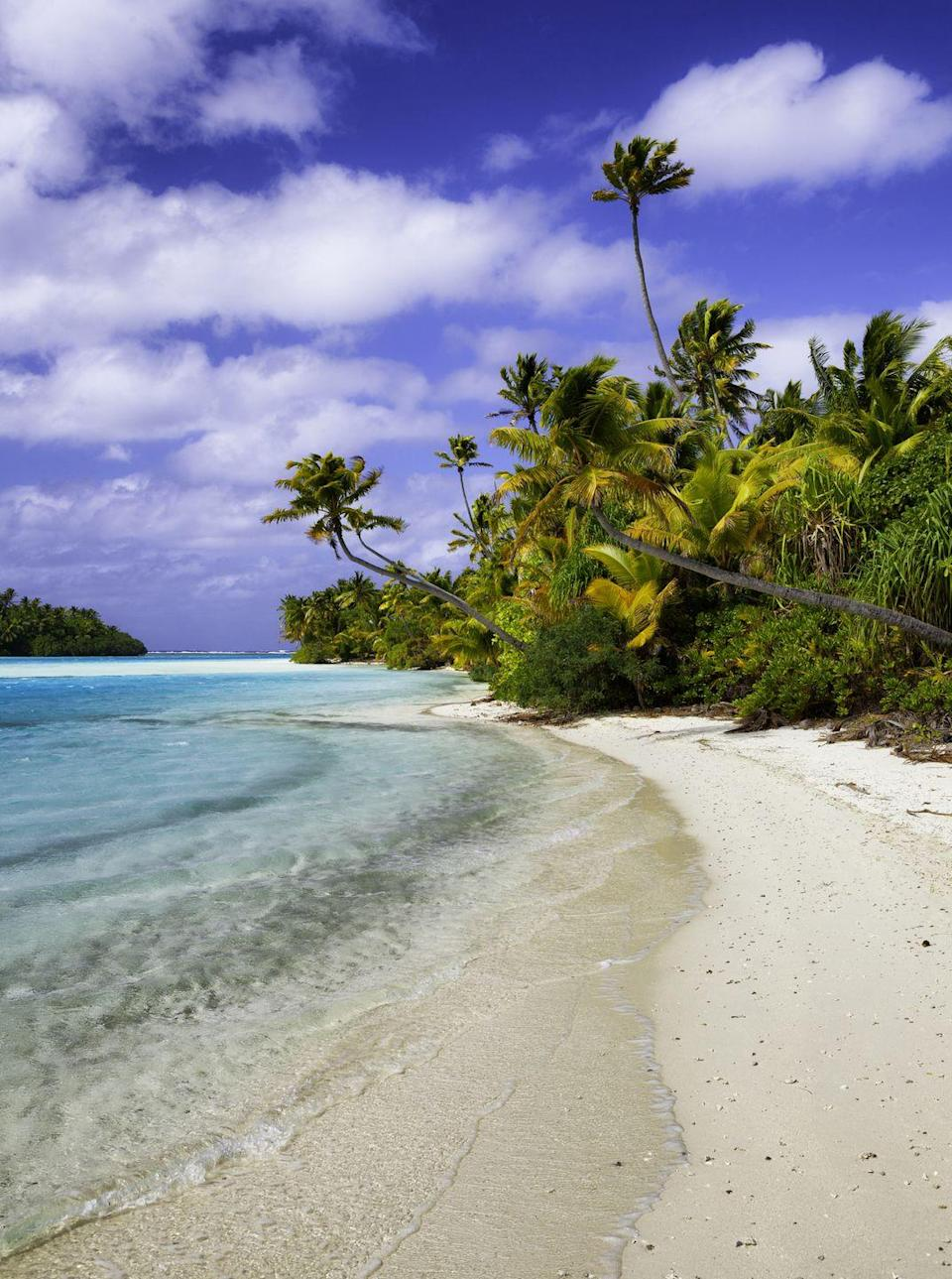 <p>Also called Tapuaetai, One Foot Island is exactly the place you want to be if you're looking for miles of secluded beaches</p>