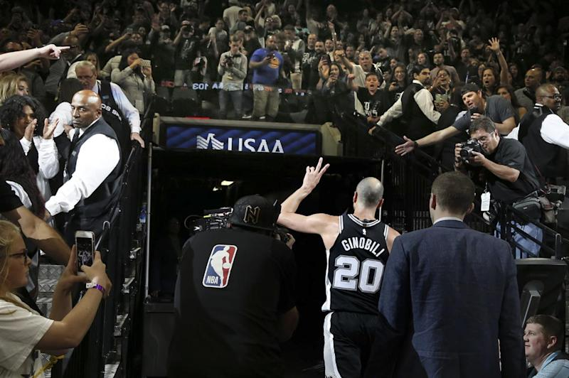 Kobe Bryant reacts to Spurs legend Manu Ginobili retiring