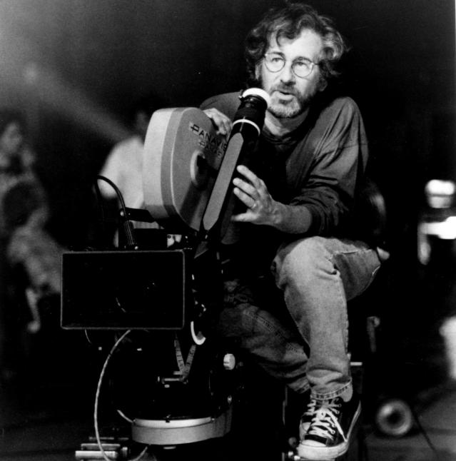 Steven Spielberg on the set of <em>Jurassic Park.</em> (Photo: Universal Pictures/Courtesy of Everett Collection)