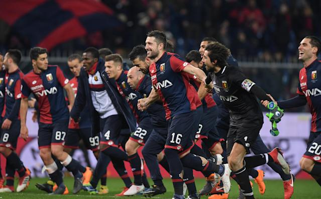 Soccer Football - Serie A - Genoa vs Inter Milan - Stadio Comunale Luigi Ferraris, Genoa, Italy - February 17, 2018 Genoa's Andrej Galabinov celebrates with team mates after the match REUTERS/Alberto Lingria