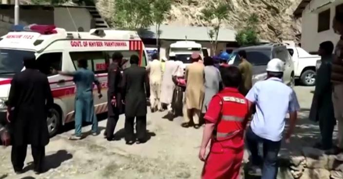 13 People Killed, Includinf Nine Chinese Nationals, in Pakistan Bus Blast