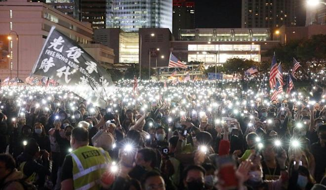 Thousands of protesters gathered in Central on Thanksgiving Day to express their gratitude to Washington for signing the Hong Kong Human Rights and Democracy Act into law. Photo: K.Y. Cheng