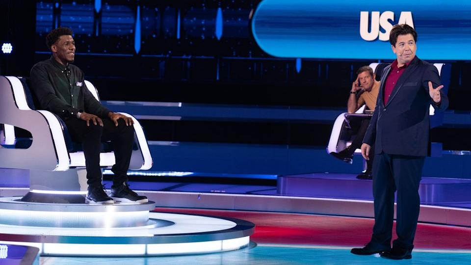 Michael McIntyre and a contestant on The Wheel