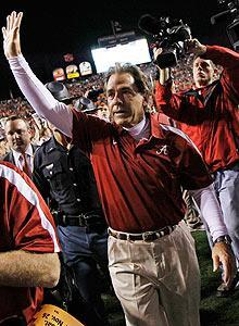 Alabama's Nick Saban draws fans as early as 2 a.m. in order to be first in line for his weekly radio show