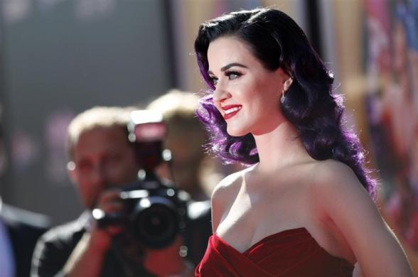 "Katy Perry poses at the premiere of ""Katy Perry: Part of Me"" at the Grauman's Chinese theatre in Hollywood, California June 26, 2012."