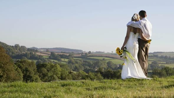 A fifth of parents now pays for their son's wedding