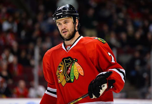 Brent Seabrook ejected after hit to head of David Backes (Video)
