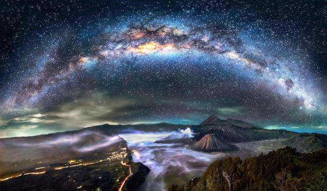 <p>Mount Bromo panorama – Indonesia. (Photo: Steve Lance Lee/Caters News) </p>