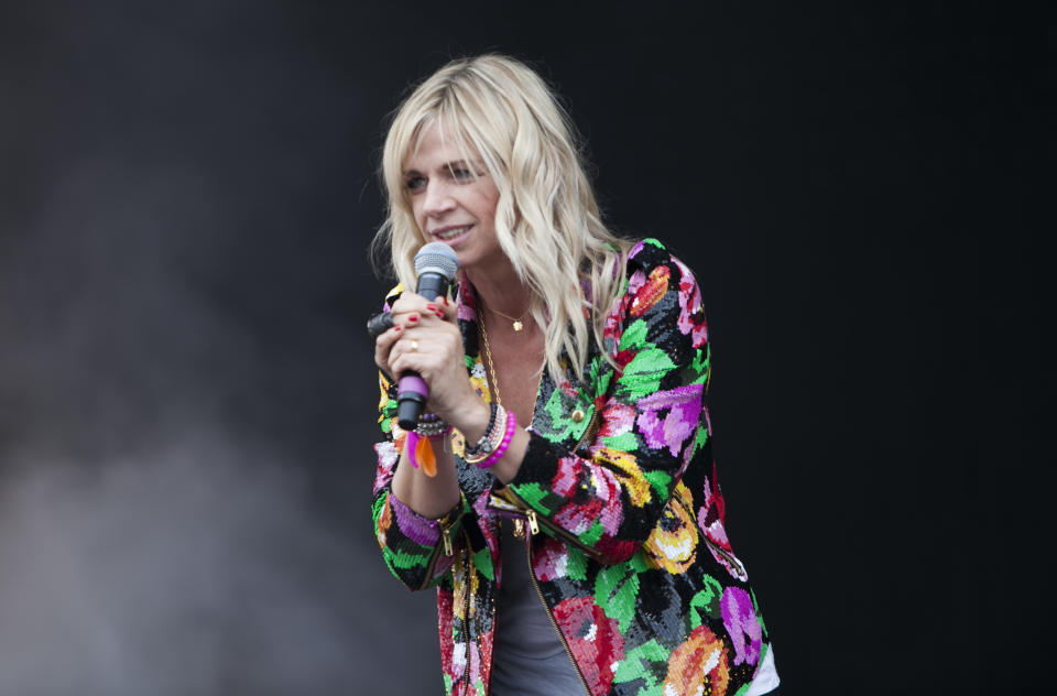 NEWPORT, ISLE OF WIGHT - JUNE 23:  Zoe Ball at the Isle Of Wight Festival at Seaclose Park on June 23, 2012 in Newport, Isle of Wight.  (Photo by Rob Ball/WireImage)