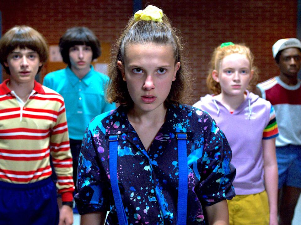 Will Mike Eleven Max and Lucas in sauna room Stranger Things 3 Netflix