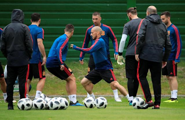 Soccer Football - World Cup - Spain Training - Spain Training Camp, Kaliningrad, Russia - June 24, 2018 Spain's David Silva, Sergio Ramos and team mates during training REUTERS/Gonzalo Fuentes