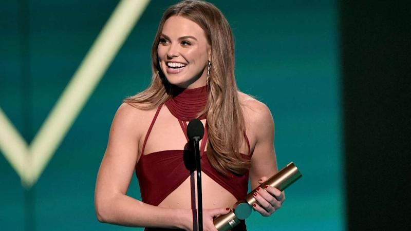 Hannah Brown Wins Big at 2019 People's Choice Awards as Exes Colton Underwood & Tyler Cameron Cheer Her On