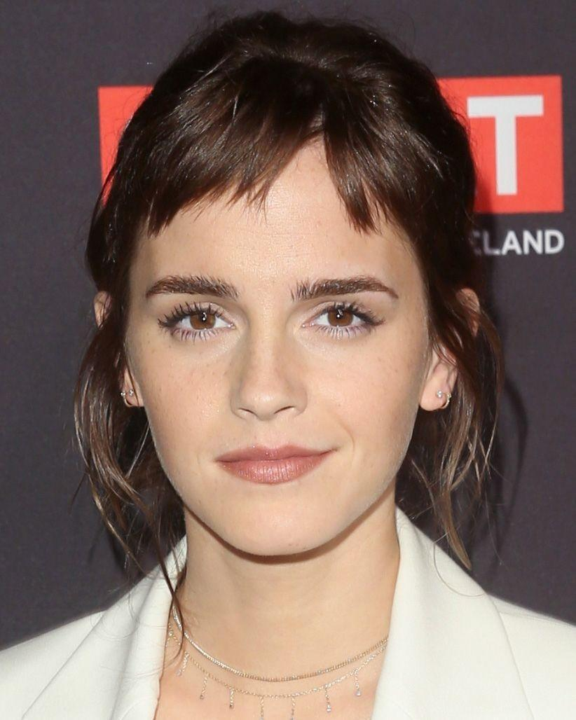 <p>Emma Watson unveiled a new dark brown hair colour and a super short choppy micro fringe as her 2018 hair style of choice.</p>