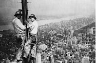 <p>The Empire State Building gets an upgrade—an antenna tower over 200 feet tall. </p>
