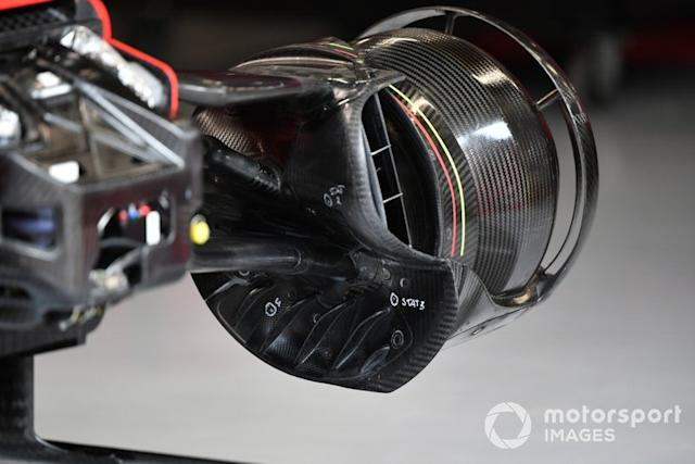 "Dettagli del brake duct di Sebastian Vettel, Ferrari SF1000 <span class=""copyright"">Mark Sutton / Motorsport Images</span>"