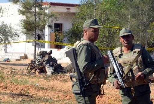 Tunisia kills 10 militants who attacked barracks near Libya border