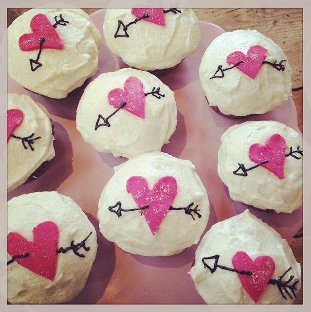 Celebrity Valentine's Day Twitpics: Fearne Cotton satisfied her pregnancy cravings by baking some cupcakes. Copyright [Twitter / Fearne Cotton]