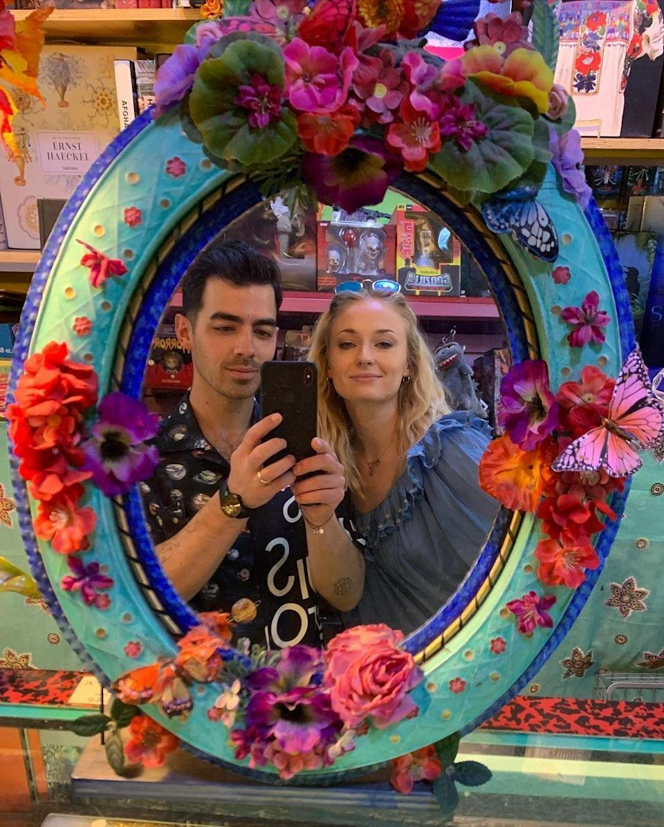 "<p>Unlike most of the other celebs on this list, <a href=""https://www.cosmopolitan.com/entertainment/celebs/a32365150/sophie-turner-joe-jonas-birth-welcomed-baby/"" rel=""nofollow noopener"" target=""_blank"" data-ylk=""slk:Joe and Sophie didn't actually tell their fans directly"" class=""link rapid-noclick-resp"">Joe and Sophie didn't actually <em>tell</em> their fans directly</a> that they'd welcomed their daughter Willa, but in a very Famous Person™ move, their reps went ahead and handled it for them on July 27.</p><p>""Sophie Turner and Joe Jonas are delighted to announce the birth of their baby."" Short and sweet!</p>"