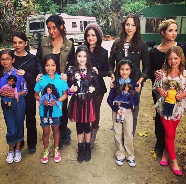 Wonder if Aria, Spencer, Hanna, Emily, and Mona got into as much trouble as kids as they do now? We flashed back to their childhood in Season 4 and all the (really) little liars were the spitting images of their older selves.
