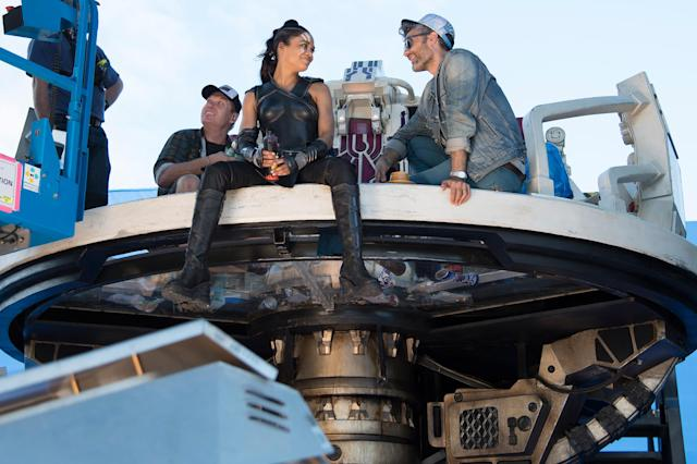 Tessa Thompson (Valkyrie) and director Taika Waititi on the set of  <em>Thor: Ragnarok</em> (Photo: Marvel Studios)