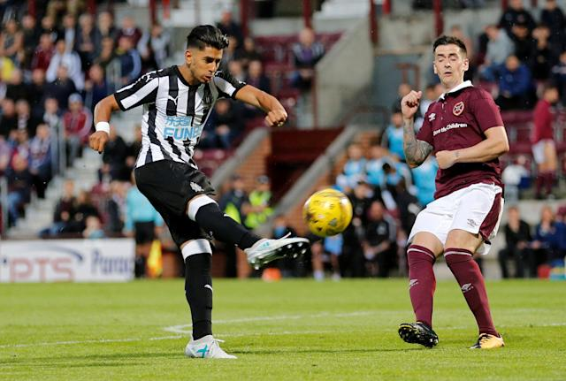 Soccer Football - Heart of Midlothian vs Newcastle United - Pre Season Friendly - Edinburgh, Britain - July 14, 2017 Newcastle United's Ayoze Perez in action Action Images via Reuters/John Clifton